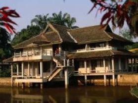 曼景兰旅游村